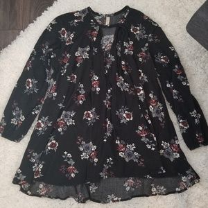 Free People Black Floral Tunic Top Small VGUC